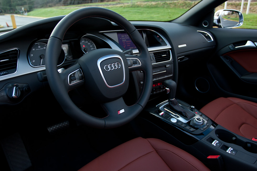 2011 Audi S5 Cabriolet interior, Tuscan Brown